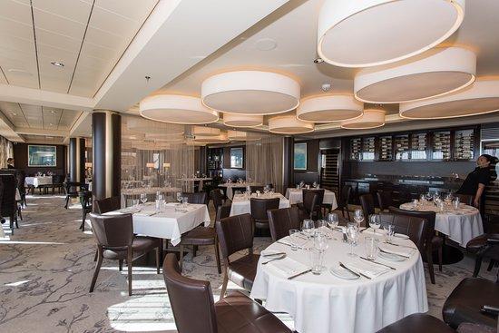 Norwegian Epic: The Epic Club Restaurant on Norwegian Epic