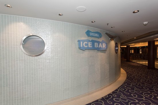 Svedka Ice Bar on Norwegian Epic