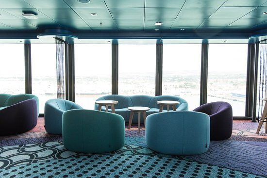 Entourage Teen Lounge on Norwegian Epic