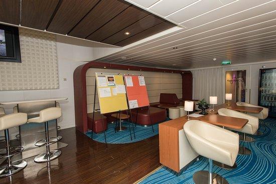The Living Room Studio Lounge on Norwegian Epic