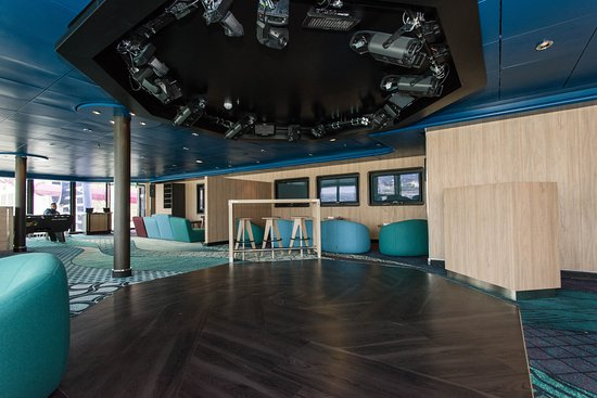 Entourage Teen Lounge on Norwegian Epic