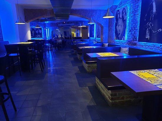 JINEJ Bar