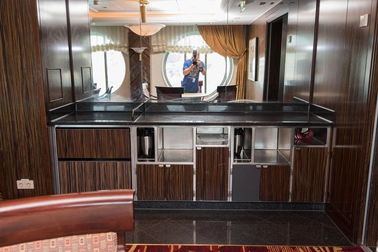 Card Room on Serenade of the Seas