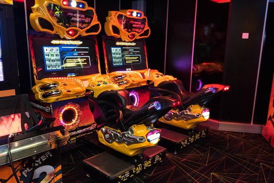 Challengers Arcade on Serenade of the Seas