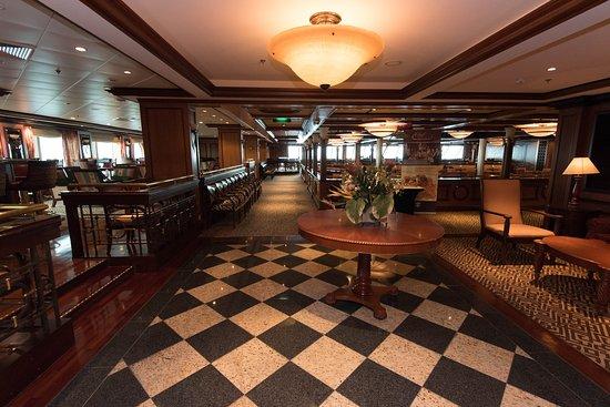 Safari Club on Serenade of the Seas