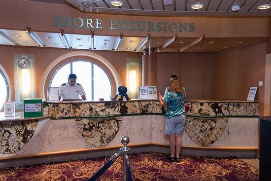 Shore Excusrsions Desk on Serenade of the Seas