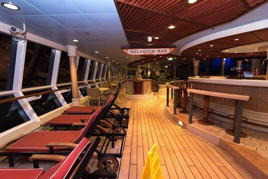 Solarium Bar on Serenade of the Seas