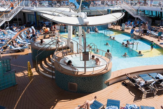 The Main Pool on Serenade of the Seas