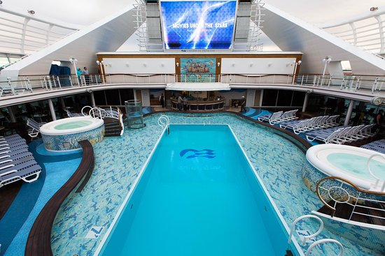 The Calypso Pool on Caribbean Princess
