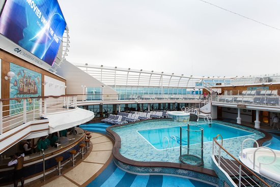The Calypso Pool on Caribbean Princess