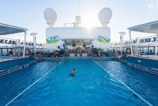 The Main Pool on Norwegian Breakaway