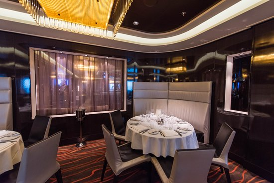Savor Dining Room on Norwegian Breakaway