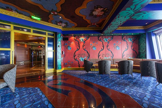 Blues Piano Bar on Carnival Conquest
