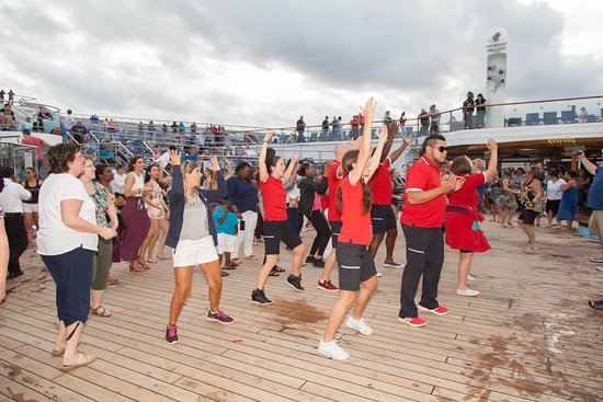 The Lido Deck on Carnival Conquest