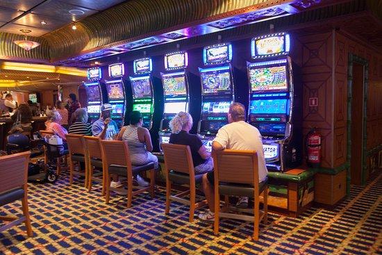 Tahiti Casino on Carnival Conquest