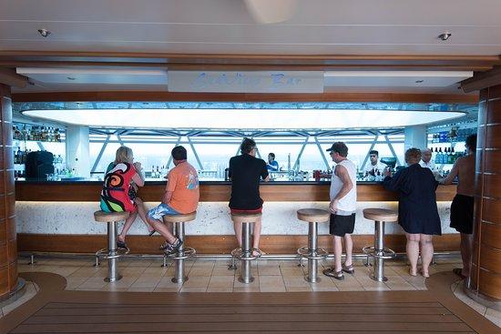 Seaview Bar on Royal Princess