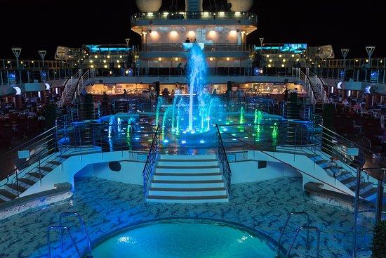 The Fountain Pool on Royal Princess