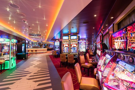 Horizon Casino on Carnival Horizon