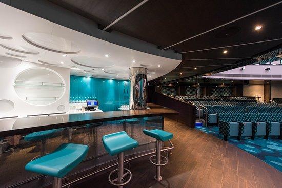 Liquid Lounge on Carnival Horizon