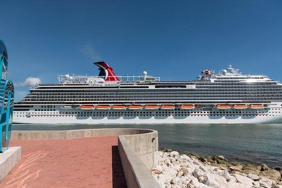 Ship Exterior on Carnival Horizon