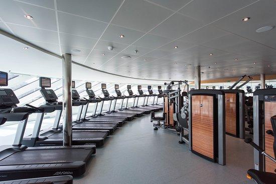 Fitness Center on Carnival Horizon