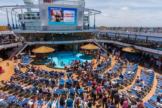 Groove for St. Jude on Carnival Horizon