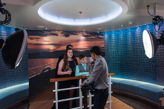 Photo and Video Gallery on Carnival Horizon