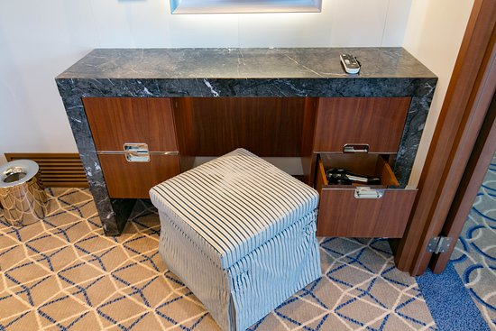 The Signature Suite on Seabourn Ovation