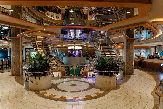 Mariner of the Seas: Hallways on Mariner of the Seas