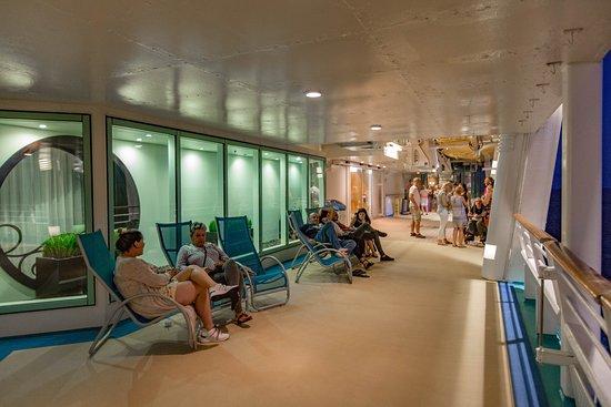 Mariner of the Seas: Exterior Decks on Mariner of the Seas