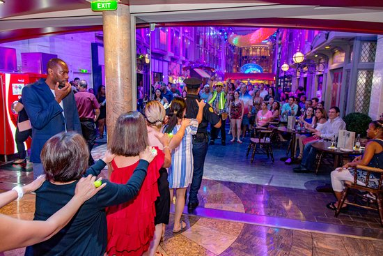 """""""Welcome Aboard"""" Party in the Royal Promenade on Mariner of the Seas"""