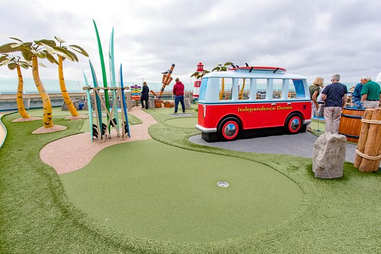 Independence Dunes Mini-Golf on Independence of the Seas