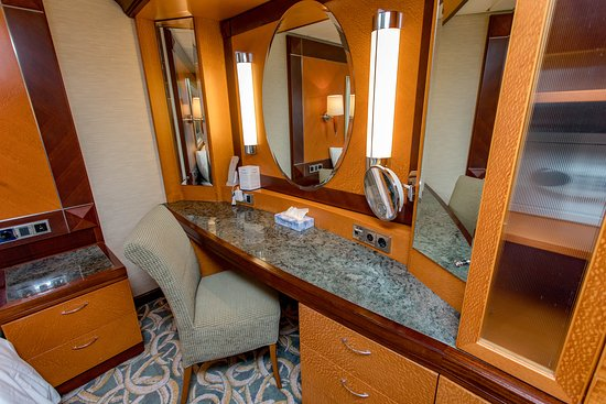 The Owner's Suite on Independence of the Seas