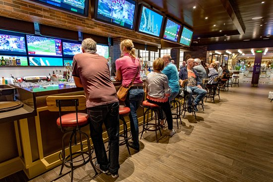 Playmakers Sports Bar & Arcade on Independence of the Seas