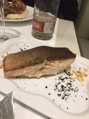 Brasserie Antoinette: salmon steak