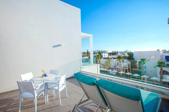 Aliathon Aegean : One Bedroom Suite - Aegean Swim-Up Suites