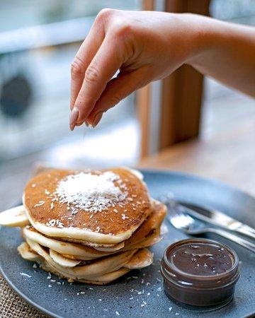 Pancakes with banana, chocolate and coco!