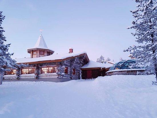 Kakslauttanen Arctic Resort Photo