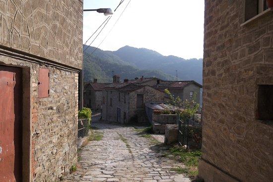 Sasso Simone: Monteromano abbeveratoi e lavatoi pubblici