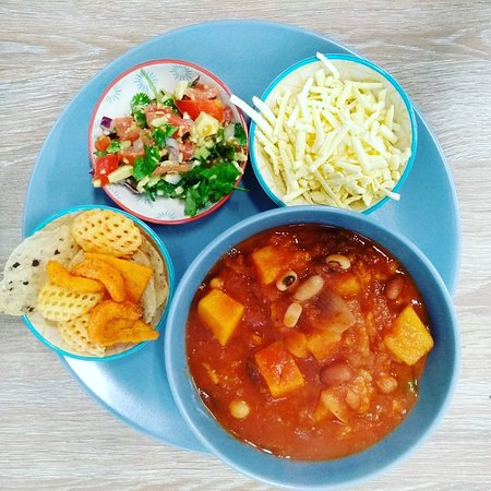 Weekend Chunky Veggie Chilli with vegan cheese & snacks