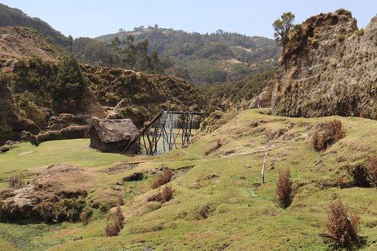 Ambo, เอธิโอเปีย: Eine alte Wassermühle für das Getreide.