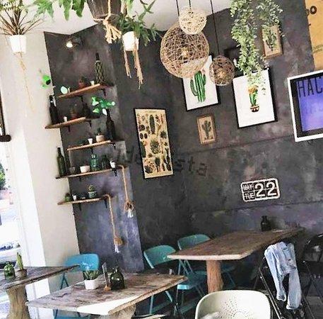 IDO Sushi Bar: Salón 1