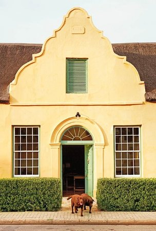 Jonkmanshof: Entrance to the 1854 Cape Dutch heritage house. Its the oldest inhabited house in Montagu.