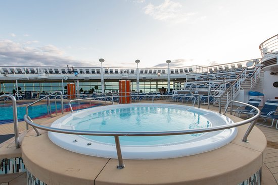 The Main Pool on Liberty of the Seas