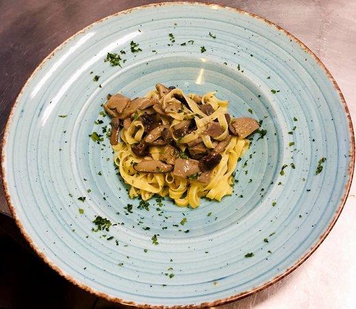 DrinDro - L'Osteria d'Artegna : Le tagliatelle pronte sul piatto