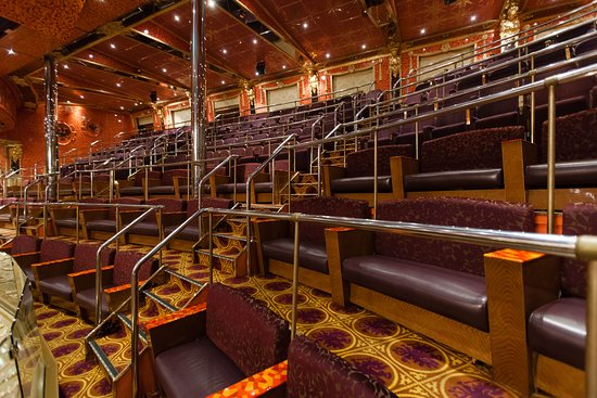 Amber Palace Show Lounge on Carnival Glory