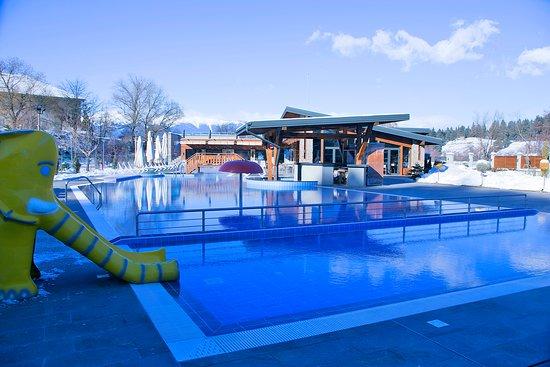 Regnum Banya Thermal: Outside swimming pool with mineral water www.regnumbanyathermal.com