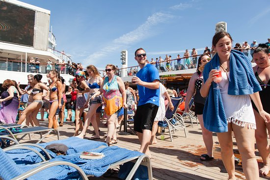 The Lido Deck on Carnival Glory