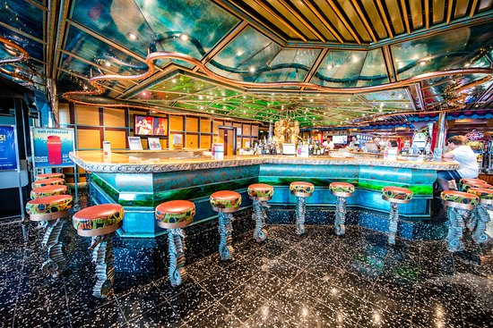 Trident Bar on Carnival Victory