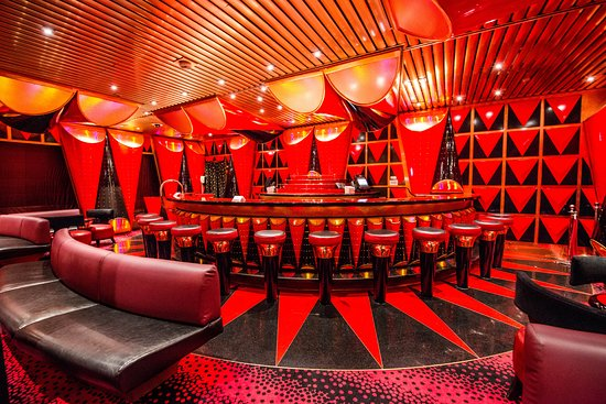 Black And Red Seas Lounge on Carnival Victory